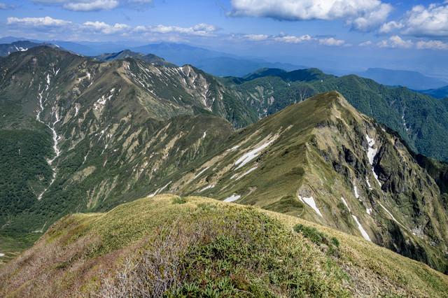 谷川岳の急峻な鋭鋒(エビス大黒ノ頭)の写真