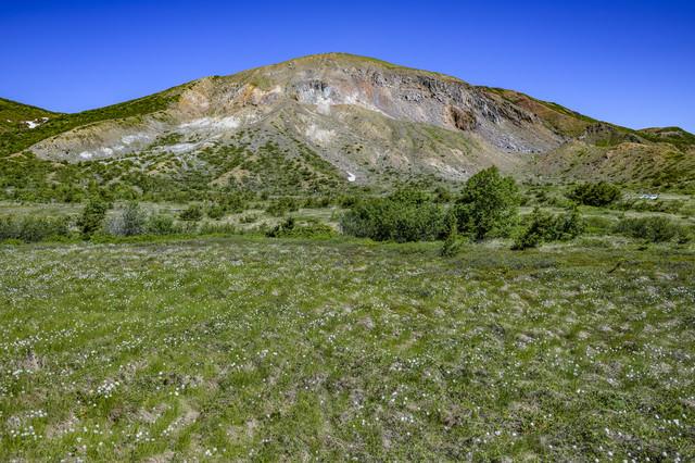 浄土平から見る一切経山(吾妻連峰)の写真