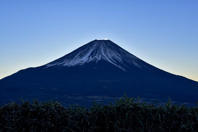 静寂のダイヤモンド富士(竜ヶ岳)の写真