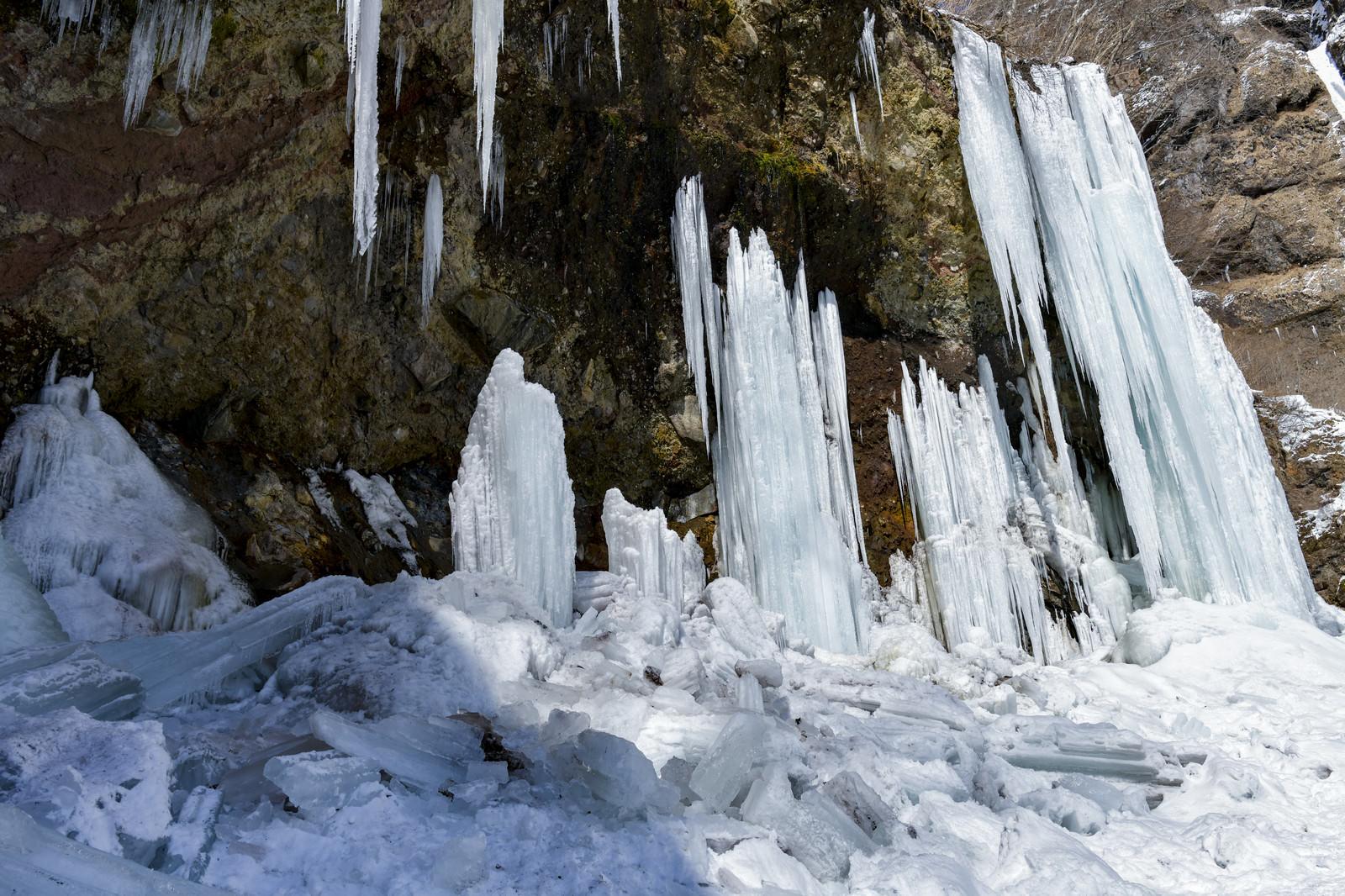 「崩れ落ちた氷柱」の写真