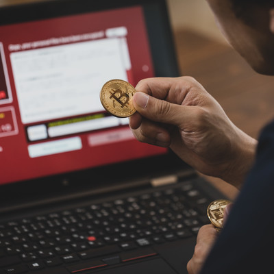 「ランサムウェアに感染したのでビットコインを用意しました」の写真素材
