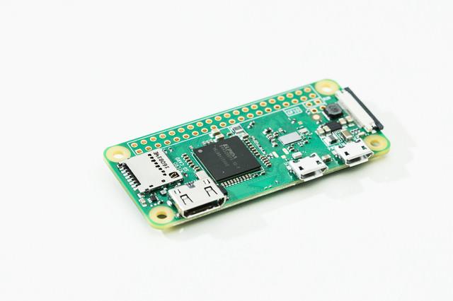 超小型ボードPCの写真