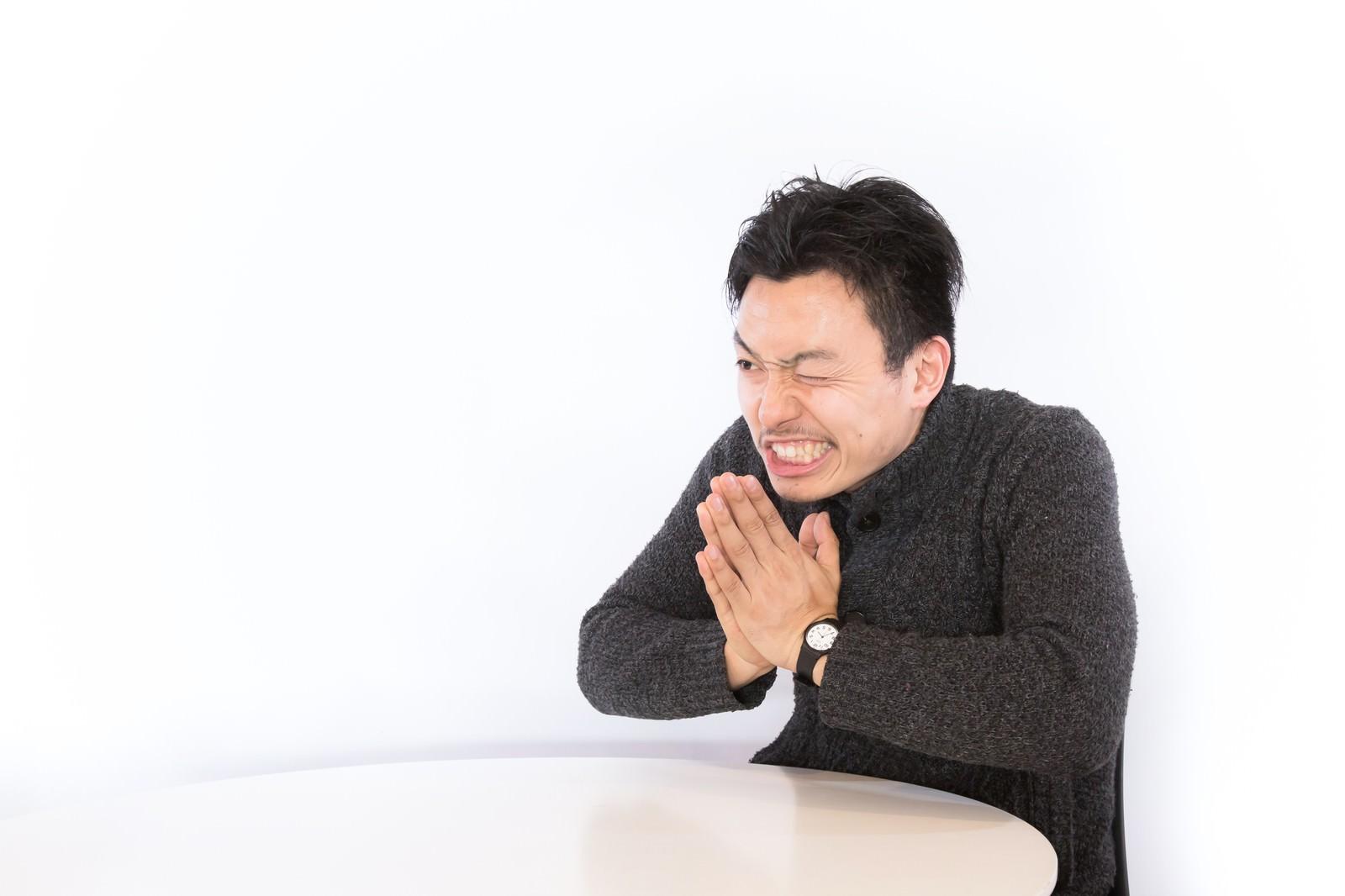 「断りづらい一生のお願い断りづらい一生のお願い」[モデル:藤沢篤]のフリー写真素材を拡大
