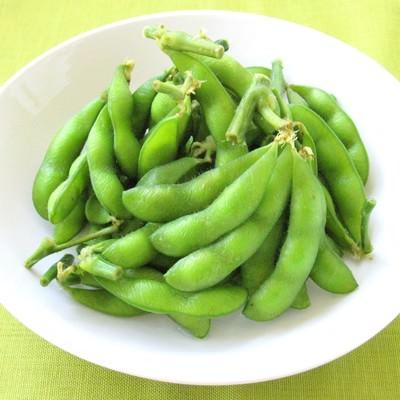 「枝つき枝豆」の写真素材