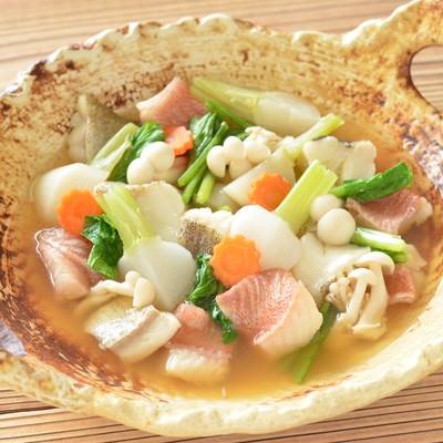 「タラと赤魚の鍋」の写真素材