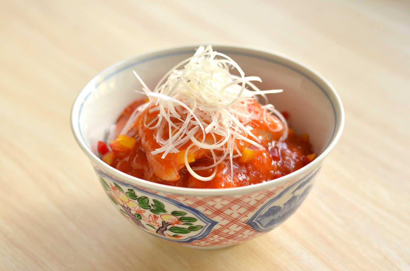 「酢豚丼」の写真