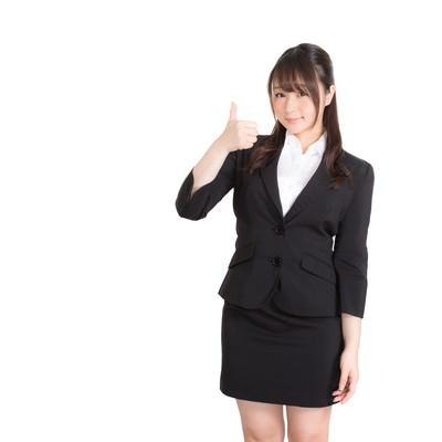 「いいね!したくなるスーツ姿のビジネスガール」の写真素材