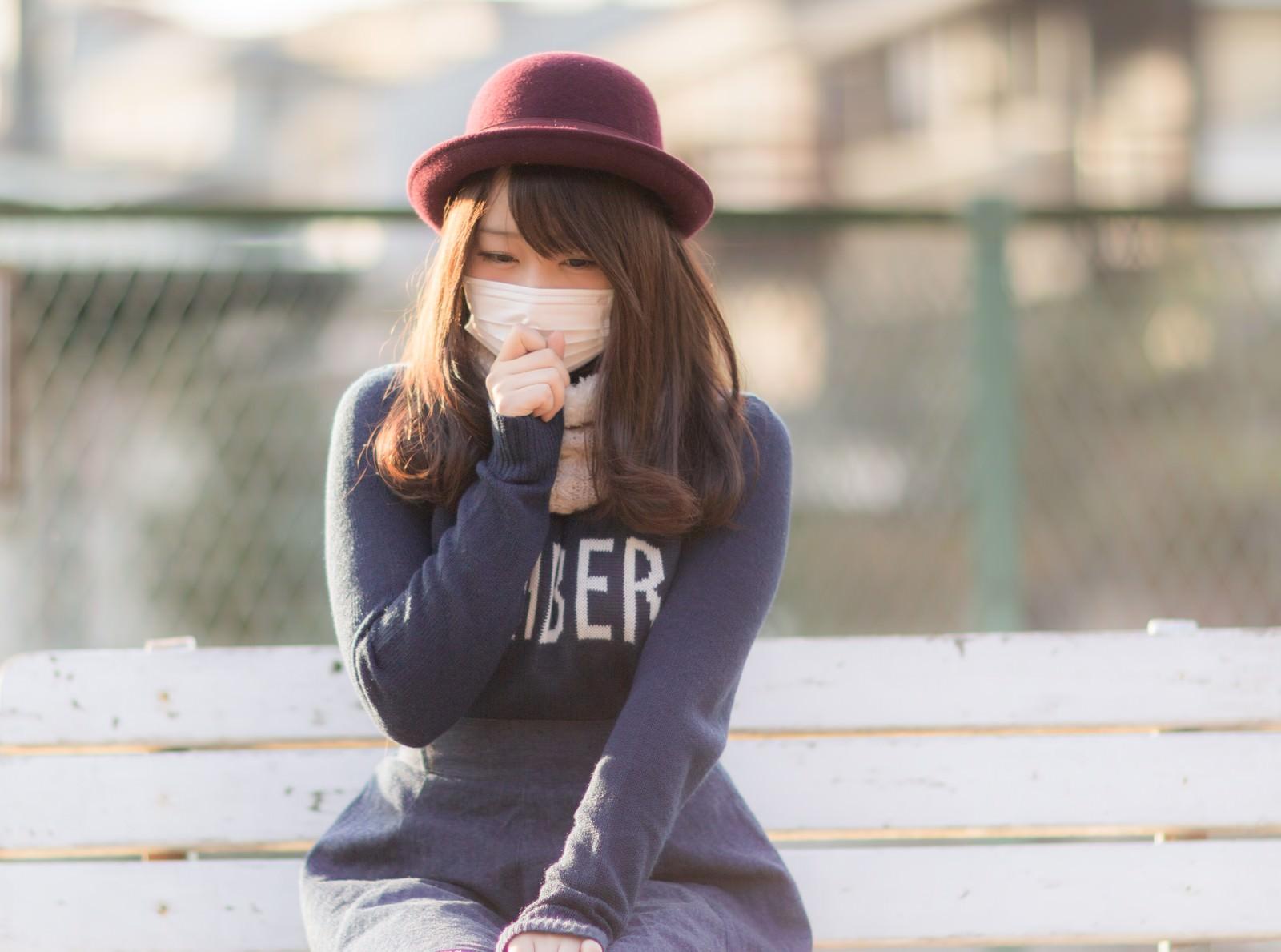 「風邪をひいて咳がツライマスク美女風邪をひいて咳がツライマスク美女」[モデル:茜さや]のフリー写真素材を拡大