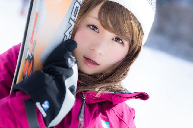 ゲレンデ中のメンズを虜にしたスキー女子の写真