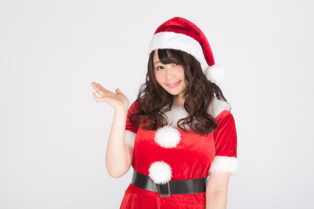 サンタの格好をしたグラドルの写真