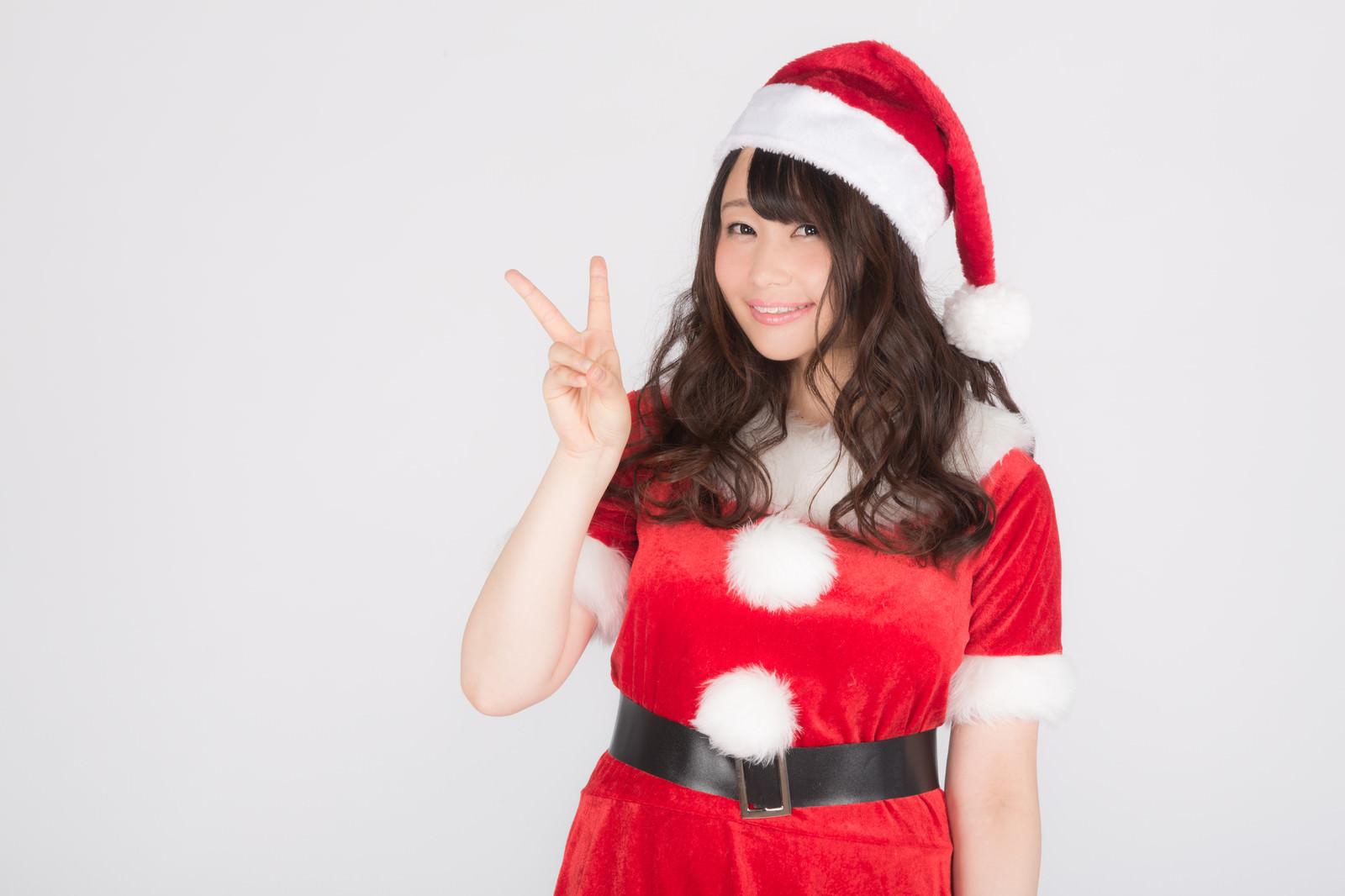 「あと2日でクリスマス!女性サンタがカウントダウン!」の写真[モデル:茜さや]