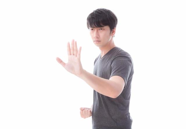 左手で距離感を測り右手でとどめを刺す!の写真