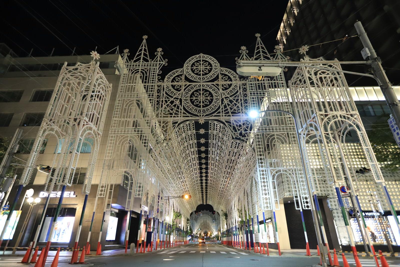 「ライトアップされる前の神戸ルミナリエ」の写真