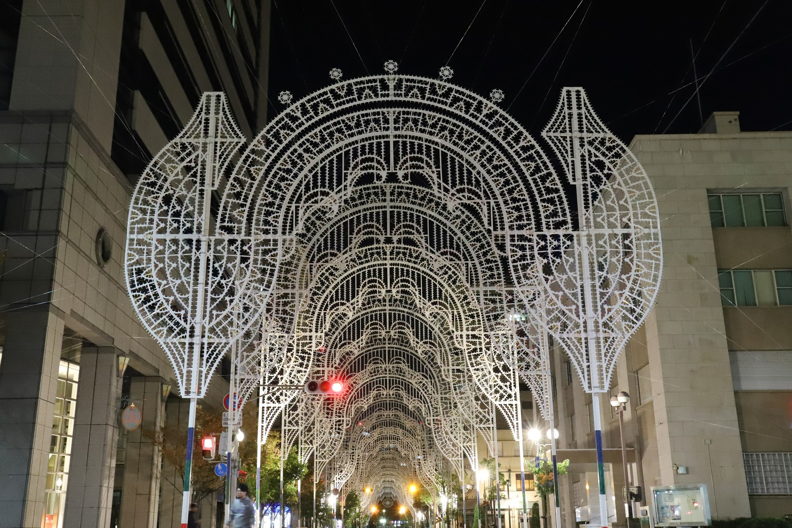 「準備中の電飾(神戸ルミナリエ)」の写真
