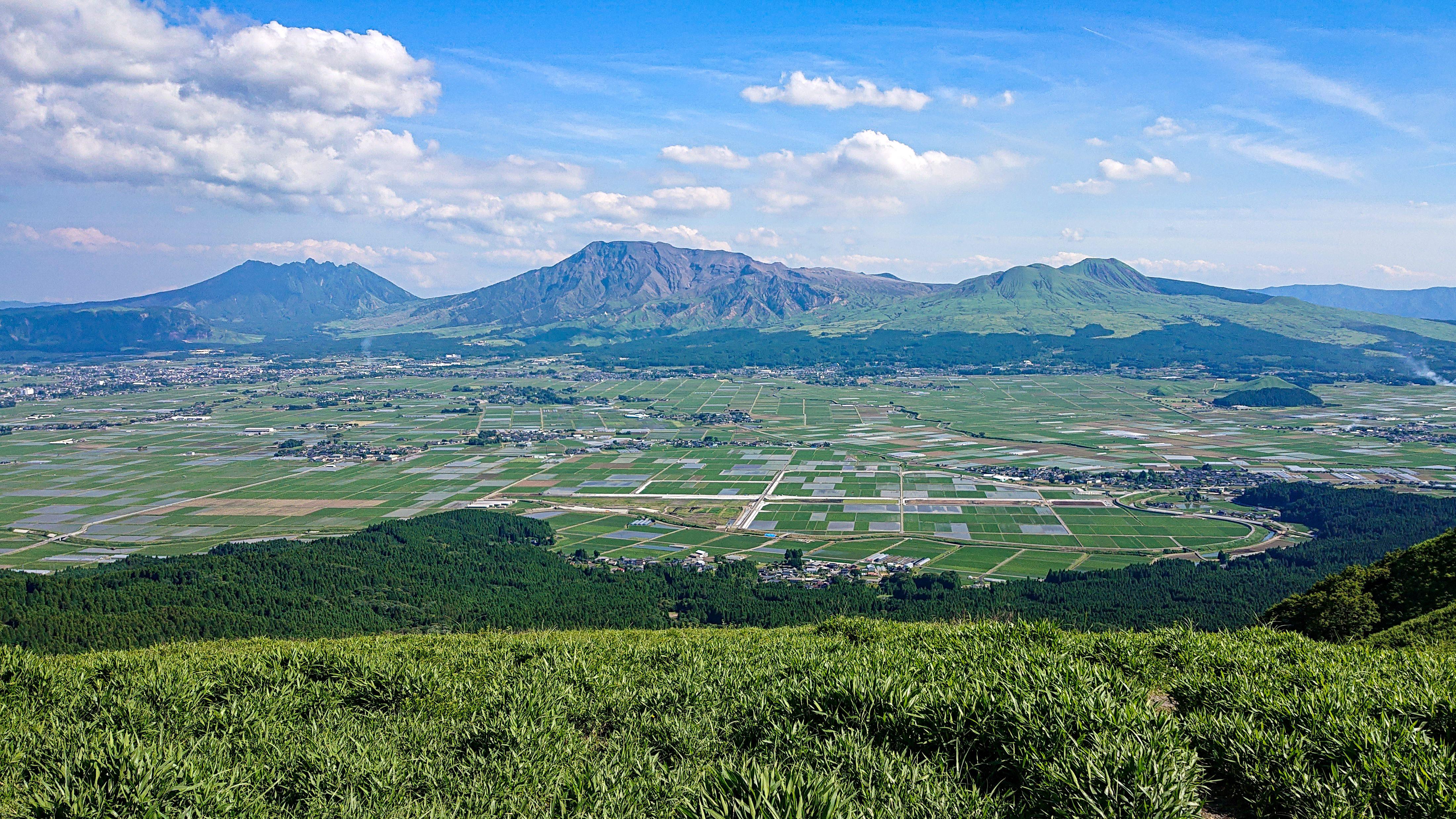 田園風景を見下ろす大パノラマの写真
