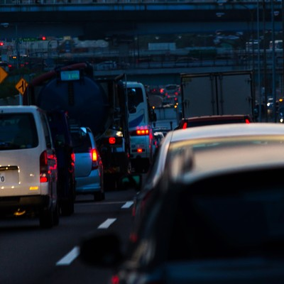 「高速道路渋滞中」の写真素材