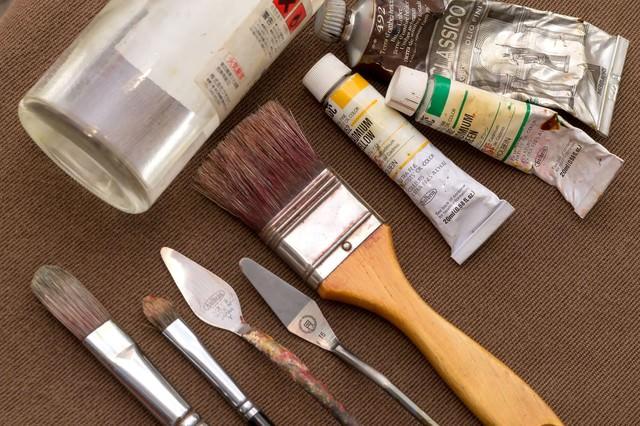 油絵セット(ペインティングナイフ・絵筆・画溶液)の写真