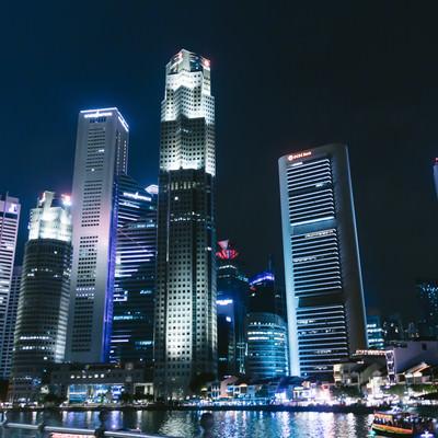 「シンガポールのビル群(夜景)」の写真素材