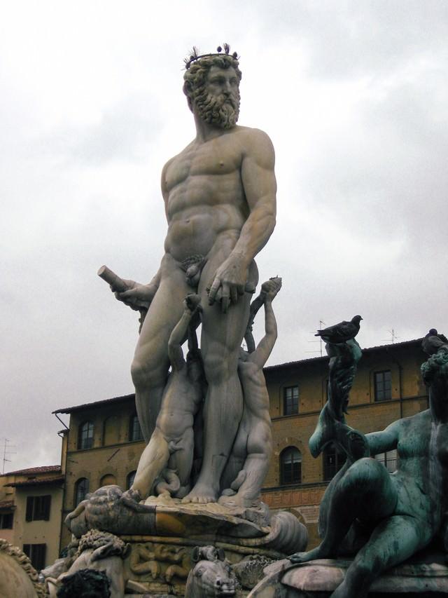 フィレンツェの石像(イタリア)の写真