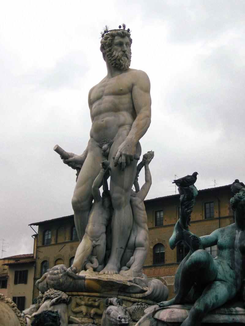 「フィレンツェの石像(イタリア)」の写真