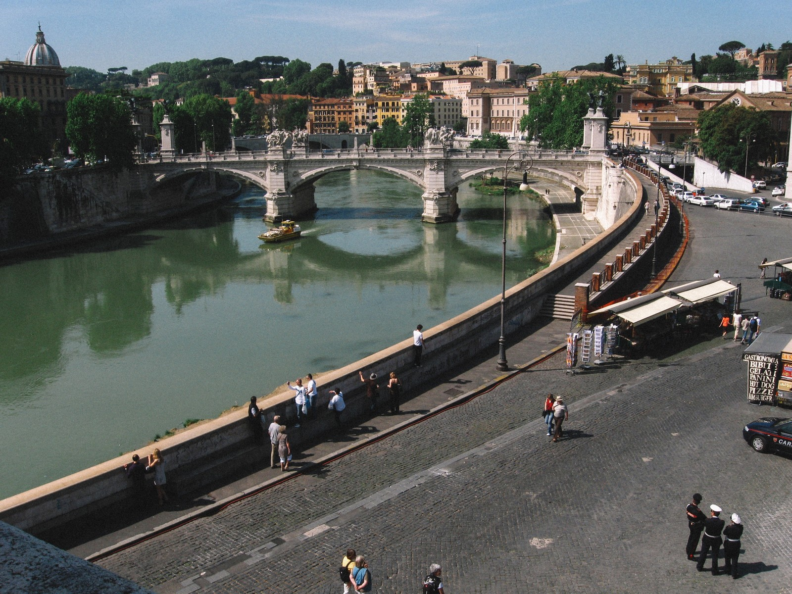 「川と街並み(イタリア)」
