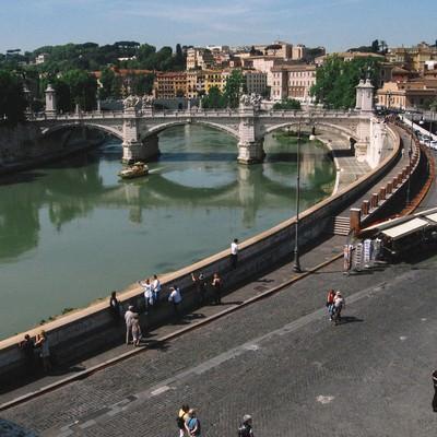 川と街並み(イタリア)の写真