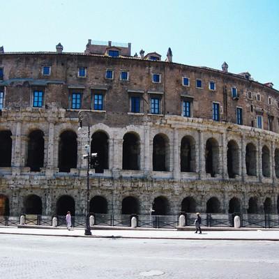 ローマにあるマルチェッロ劇場(イタリア)の写真