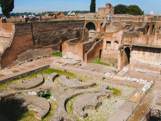 ローマのフォロ・ロマーノ遺跡(イタリア)の写真