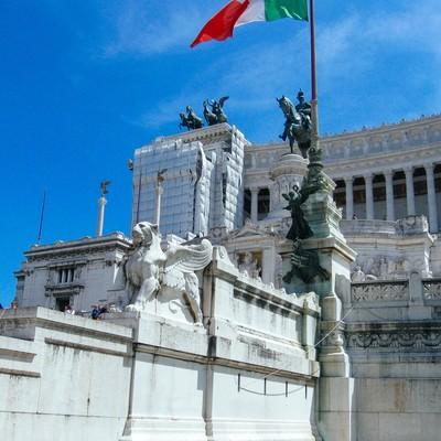 ローマの美術館と石像(イタリア)の写真