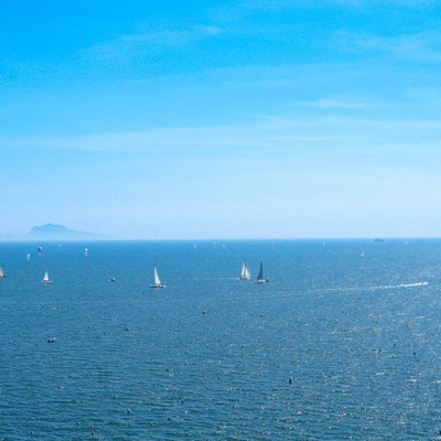 ナポリの青い海と空(イタリア)の写真
