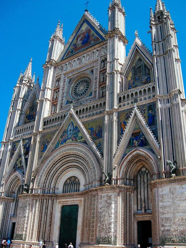 オルヴィエートの大聖堂(イタリア)の写真