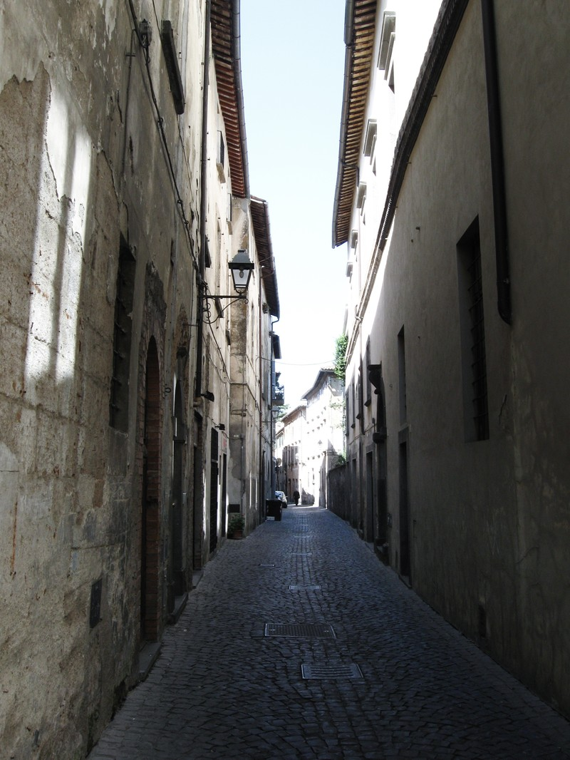 「オルヴィエートの路地裏(イタリア)」の写真