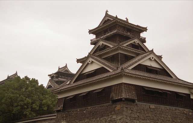 歴史を感じる熊本城(別名、銀杏城)の写真