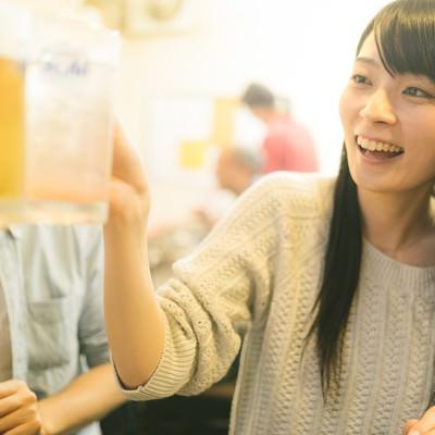 「飲み会で乾杯!」の写真素材