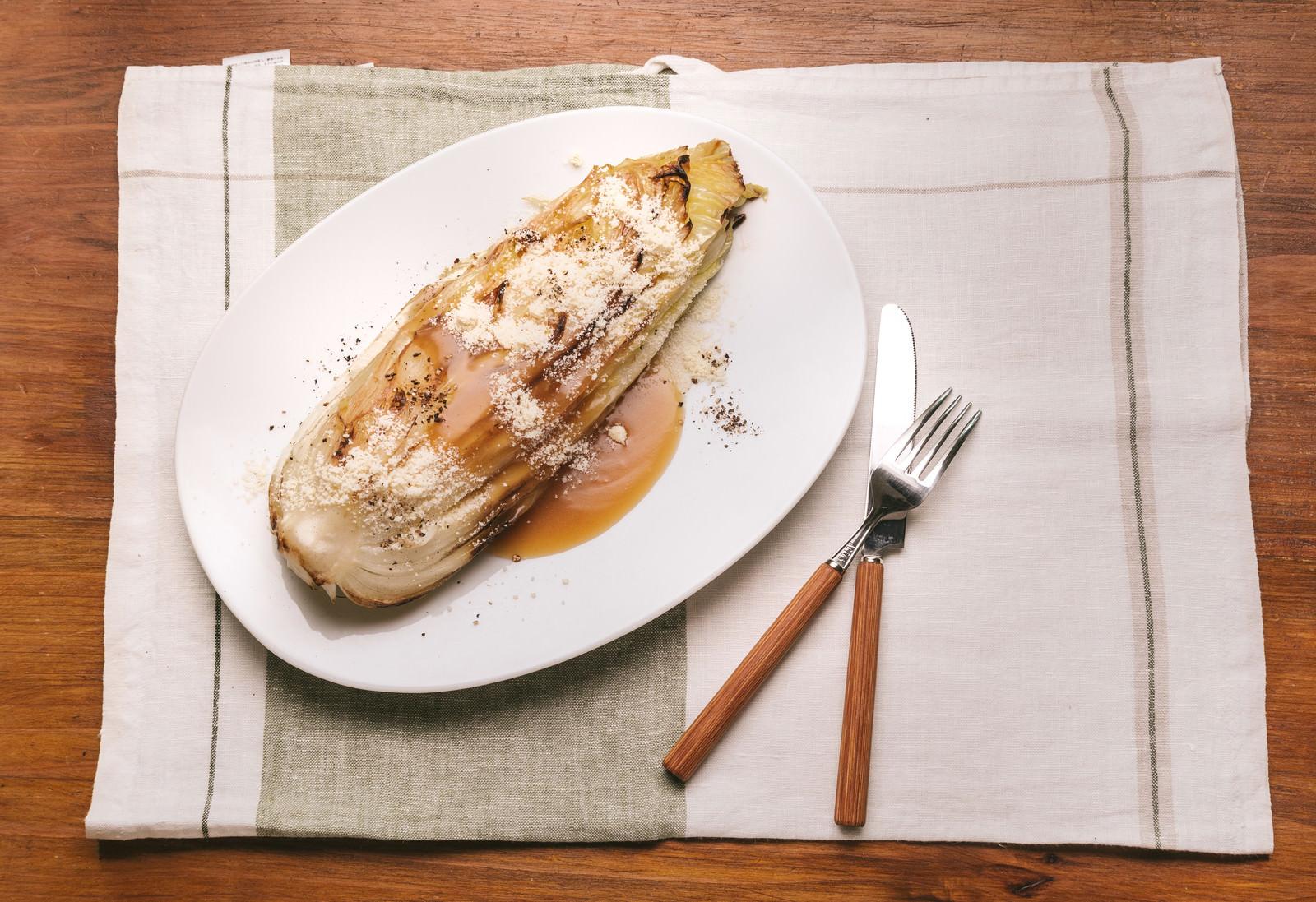 「白菜を使ったヘルシーメニュー白菜を使ったヘルシーメニュー」のフリー写真素材を拡大