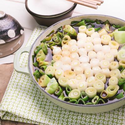 「ヘルシーで栄養価も高い!ネギすき鍋」の写真素材
