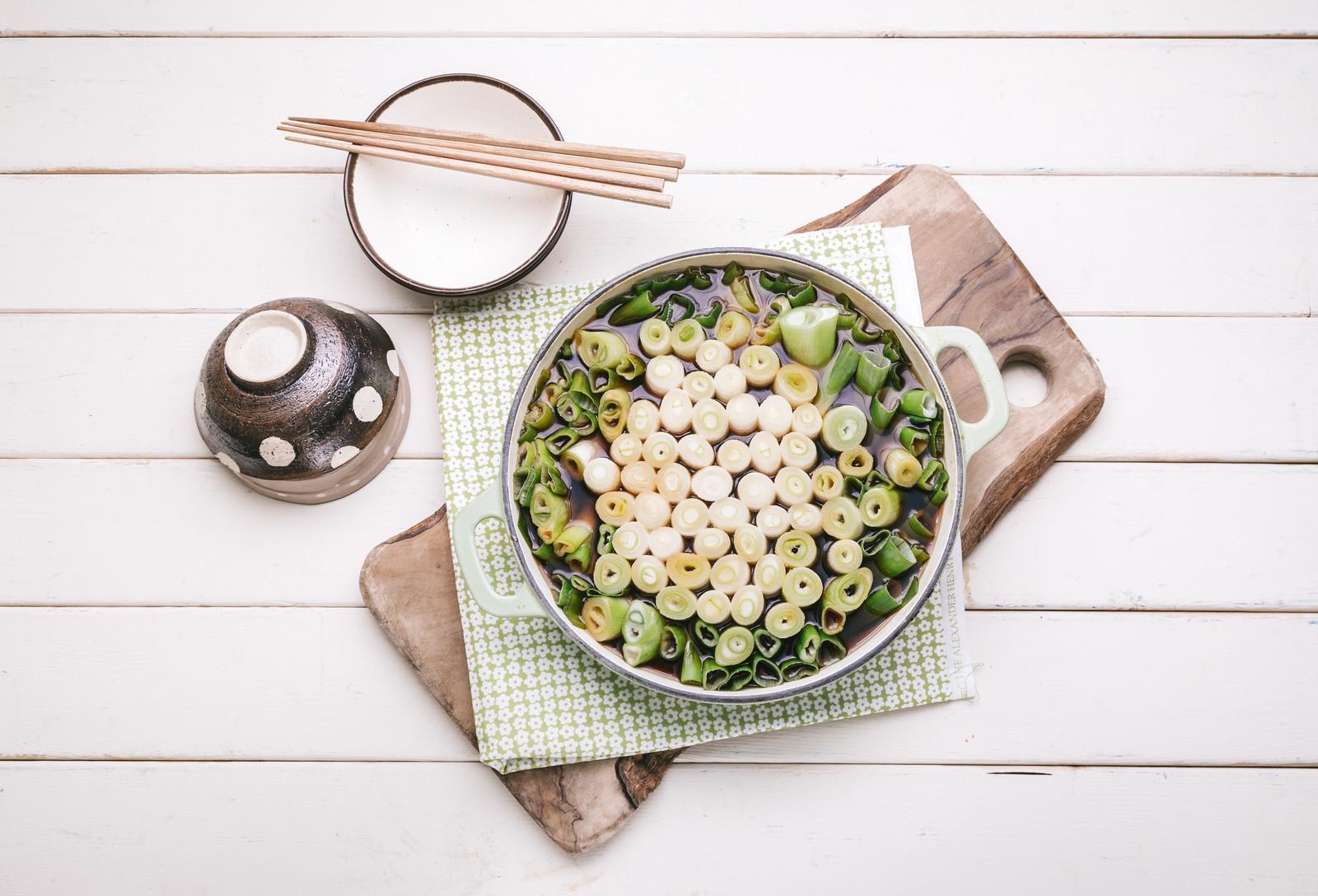 「寒い夜には絶対食べたい「ネギすき鍋」」の写真