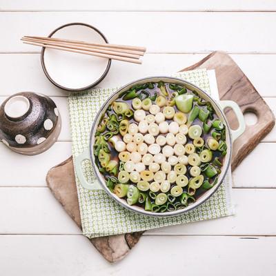 「寒い夜には絶対食べたい「ネギすき鍋」」の写真素材