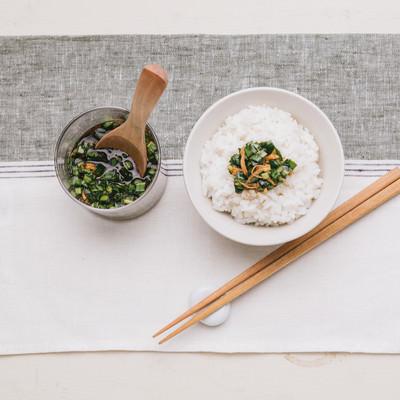 「万能ニラ醤油があればご飯がススム」の写真素材