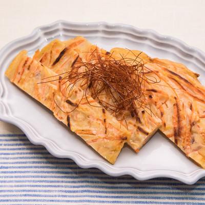 「かつお節や塩昆布の旨味とにんじんの甘味が絶妙なにんじんチヂミ」の写真素材