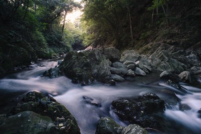 三波川付近の岩と似ているから三波渓谷の写真