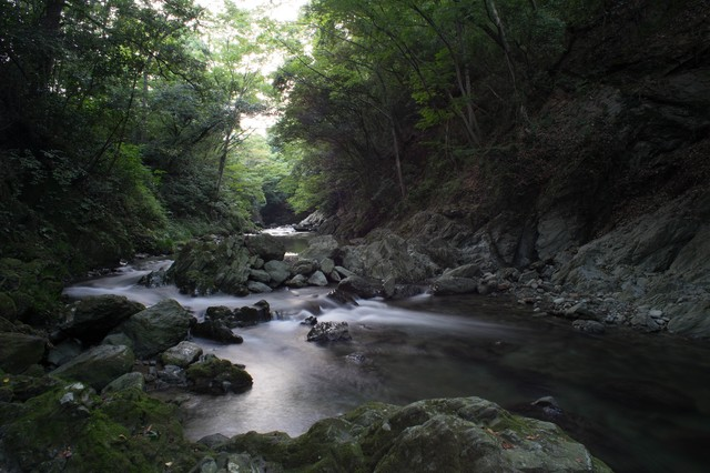 三波渓谷(さんばけいこく)の静けさの写真