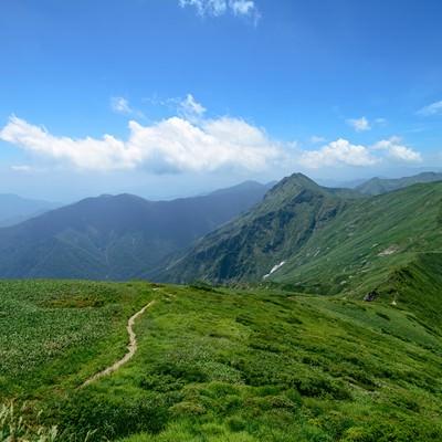 谷川岳主流の登山道の写真