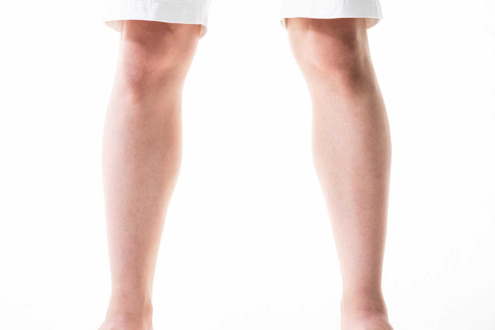 「すね毛がすっきりした男性の足元すね毛がすっきりした男性の足元」のフリー写真素材を拡大
