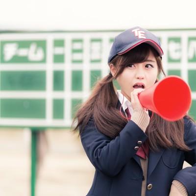 「部員に喝を入れる憧れの女子マネージャー(野球部)」の写真素材