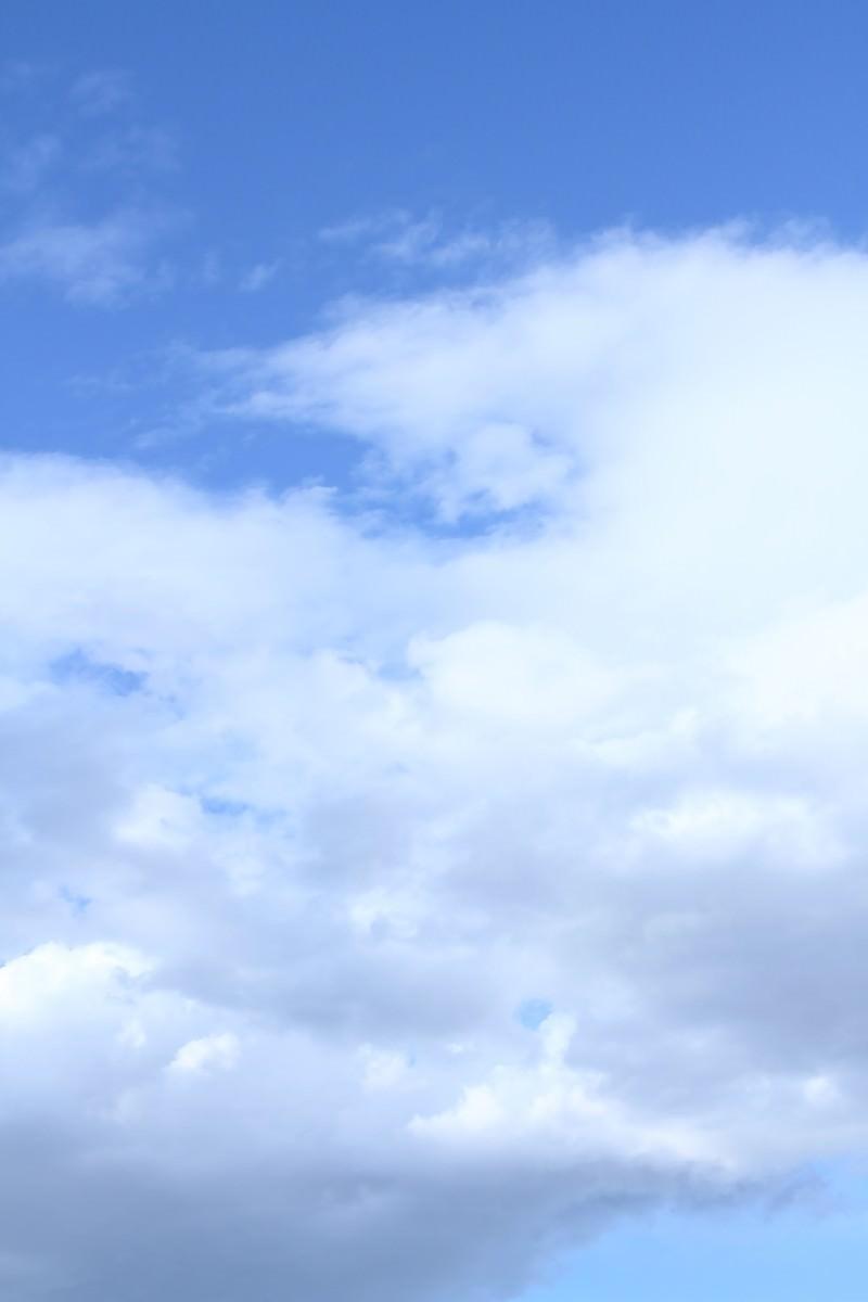 「青空と雲そしてわたあめが食べたくなった日」の写真