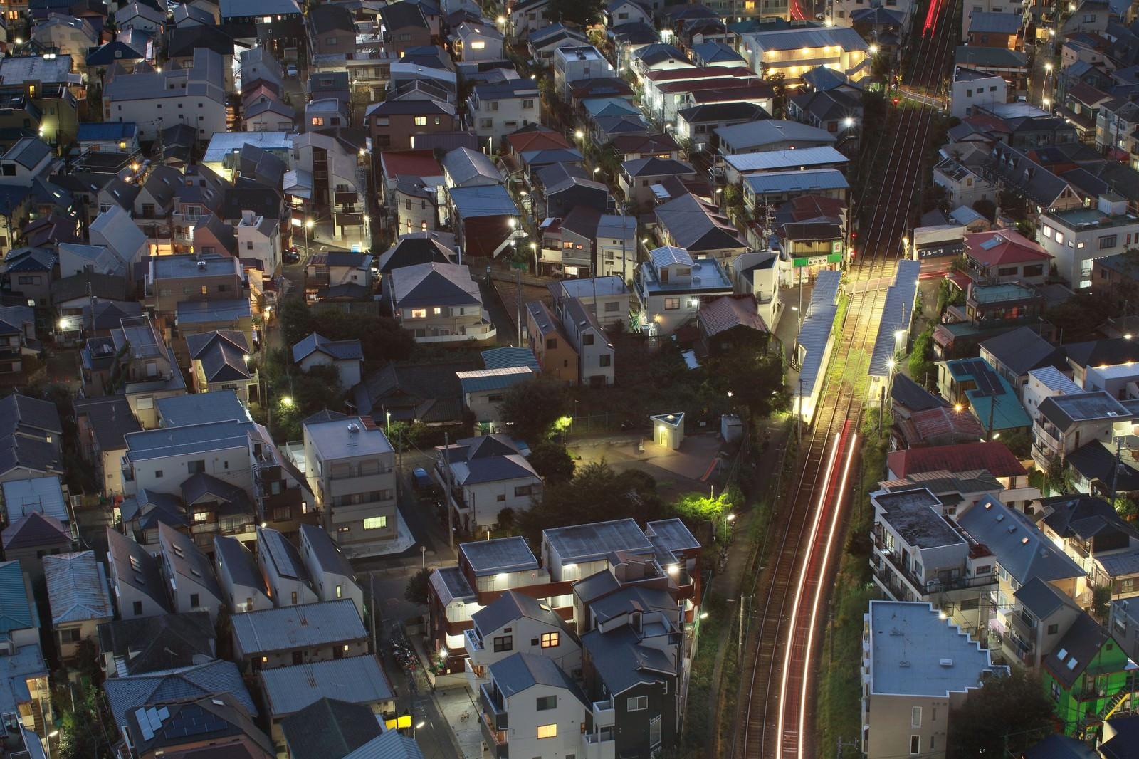 「東京夜景・家路を急ぐ光」の写真