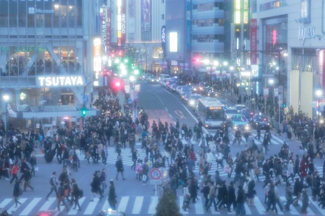 近未来の幻想・東京渋谷スクランブル交差点の写真