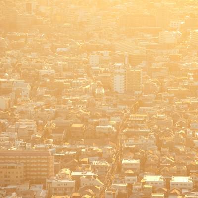 「夕焼けに染まる東京住宅街」の写真素材