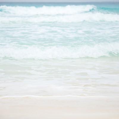 いますぐ泳ぎたくなる美しい宮古島の海の写真